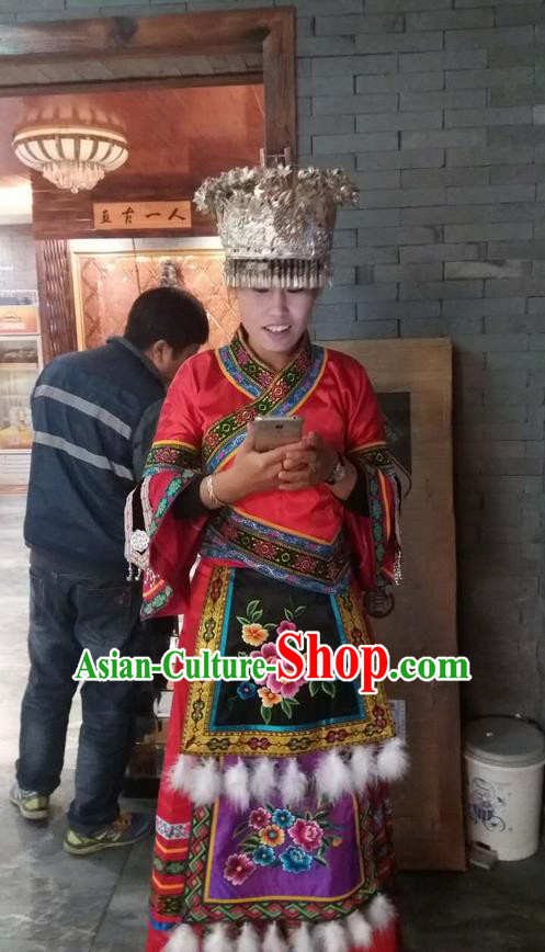 Traditional Chinese Miao Nationality Dancing Costume