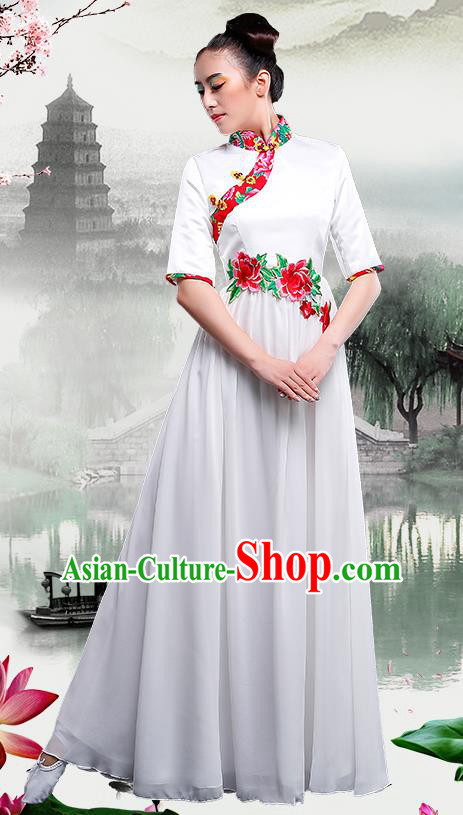 Traditional Chinese Classical Dance Umbrella Dance Cheongsam, China Yangko Folk Dance White Dress Clothing for Women