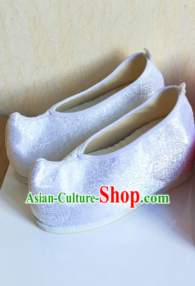 Traditional Chinese National Black Silk Shoes Embroidered