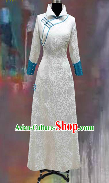 Traditional Chinese Mongol Nationality Costume White Mongolian Robe, Chinese Mongolian Minority Nationality Dance Clothing for Women