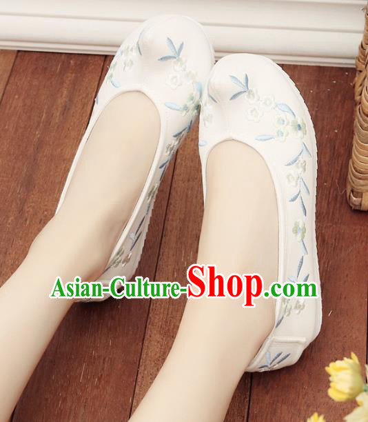 1c6dae5ec4d9 Asian Chinese Wedding Shoes Embroidery White Princess Shoes